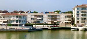 Informe de patologies de l'edificació - edifici Port Garden - Platja d'Aro